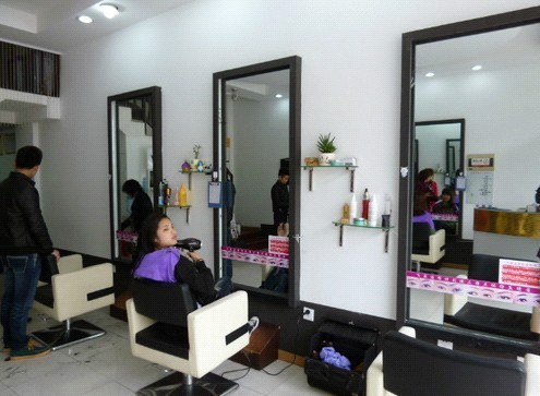 30平方理发店装修图片